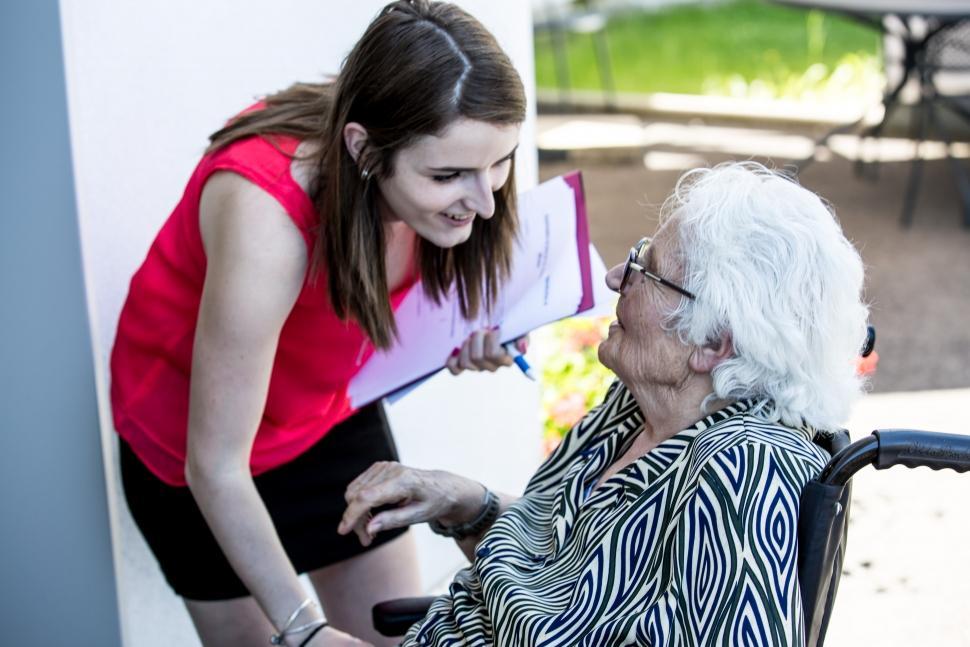 D pendance des personnes g es arm e du salut for Aide sociale personnes agees maison de retraite